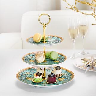 """VersaceEtagere """"LaScaladelPalazzo"""" Luxuriös und extravagant: der ikonische Stil von Gianni Versace auf edlem Rosenthal-Porzellan."""