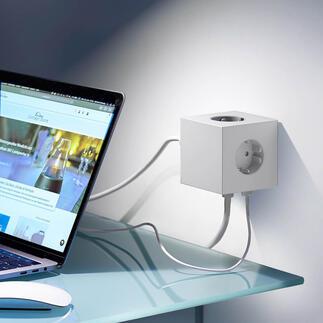 Design-Steckdosenwürfel Square Preisgekröntes Design macht Schluss mit verstaubten Steckdosenleisten und verhedderten Kabeln.