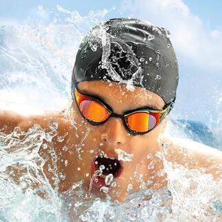 SpeedoFastskin PureFocusMirror Die schnellere Schwimmbrille ist auch die bessere. Reduzierter Wasserwiderstand*. Erhöhter Tragekomfort. Verbesserter Beschlagschutz.