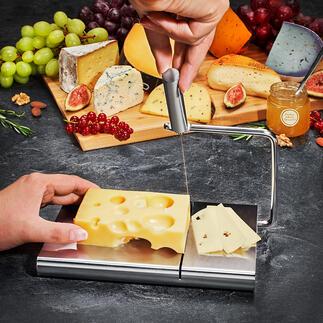 Edelstahl-Käseschneider Feine Käsescheiben – fast ohne Kraftaufwand. Präzisions-Käseschneider mit Schneiddraht und genutetem Edelstahl-Schneidbrett.