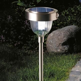 Intelligente Solarleuchte Modernste LED-Technik mit 2 Lichtstärken, eingebautem Bewegungs- und Dämmerungssensor.