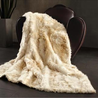 Alpakafell-Kissen oder -Decke Hergestellt aus ausgesucht feinen, flauschig weichen Alpakafellen. Von Hand gefertigt.