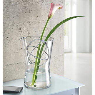 Glasvase mit Dekosphäre Langstielige Blumenarrangements, üppige Sträuße, … – immer die perfekte Vase.