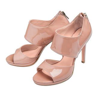 Anna F. Ankle-Sandals Ankle-Form, Lackleder, 11 cm-Absatz: High-Fashion made in Italy – und doch kein Vermögen.
