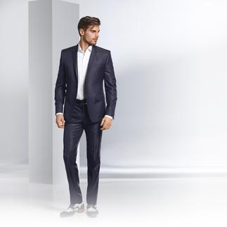Versace Collection Anzug Minimalmuster Minimaldessin. Mitternachtsblau. Modisch schmale Form: Der Sommer-Anzug 2016 kommt von Versace.