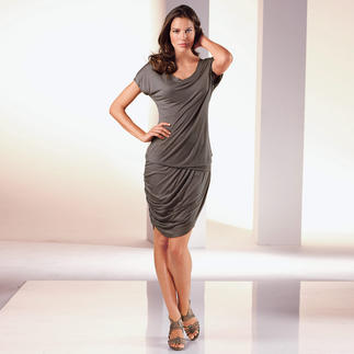 Der Shape-Rock und das -Shirt von Yummie™: Perfekte Silhouette. Optisch 2 Kilo schlanker. Beide Teile sehen aus wie feminine, elegante Basics, dabei formen sie ganz nebenbei sanft Ihre Figur.