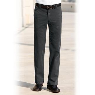 Chino oder Cargo mit Thermo-Funktion. Modisch zeitgemäße Hosen, die Sie sehr gut wärmen und zugleich unglaublich leicht sind.
