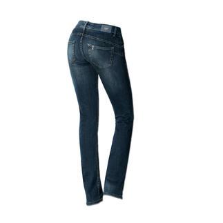 """Die """"Bottom up"""" von Liu Jo Jeans, Italien - kaum eine Jeans lässt Ihren Po knackiger aussehen. Gesäßtaschen und Abnäher sind an genau den richtigen Stellen platziert, um den Po optisch in Szene zu setzen."""