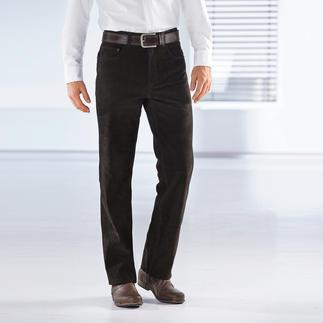 Die geschmeidige Hose aus echtem Büffelkalb-Nubukleder. Kernig, unverwüstlich - und doch butterweich. Die Jeans aus echtem Büffelleder.