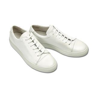 Der cleane weiße Leder-Sneaker: ewiger Klassiker und Fashion-Favorit zugleich. Handschuhweiches Leder. Einfache, klare Linien. Für Damen und Herren. Von National Standard.
