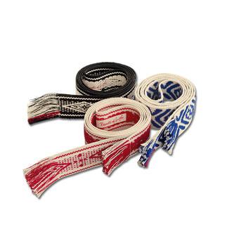 Der angesagte Bindegürtel von Bands of L.A. - lässig knoten statt klassisch schnallen. Das Original aus USA. Exklusiv-Dessins. Von Hand gefertigt. Weich und anschmiegsam – dennoch robust genug, um jede Hose zu halten.