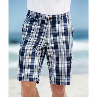 Die stilvolle Art, karierte Shorts zu tragen. Klassisches Glencheck. Maritime Farben. Korrekte Länge. Perfekter Sitz für jeden Figurtyp. Von Eurex by Brax.