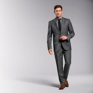 Der Anzug aus italienischem Schurwoll-Leichtflanell. Schneidermäßig verarbeitet von Eduard Dressler. Für einen wirklich guten Anzug müssen Sie nicht mehr als 549,– Euro zahlen.