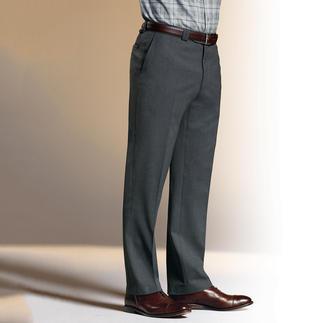 Die Travellerhose im smarten Business-Look. 7 Taschen. Keine Knitter. Keine Flecken. Nimmt weder langes Sitzen noch Reisestrapazen übel. Und hält Bargeld und Kreditkarten sicher am Mann.