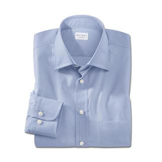 Die modische Alternative zum klassischen hellblauen Hemd. Stilvolles Minimal-Dessin im Digitaldruckverfahren.
