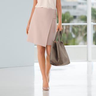 Nach einem solchen Rock sucht eigentlich jede Frau. Elegant. Business-korrekt. Und doch modisch hochaktuell.
