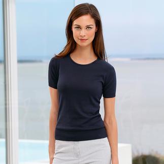 Das 30 Gauge-T-Shirt von John Smedley ist viel angenehmer als gewöhnliche T-Shirts, aber genauso vielseitig. Aus luxuriöser, handgepflückter Sea-Island-Baumwolle in seltenem 30-Gauge-Feinstrick.