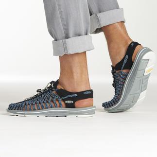 Die derzeit wohl innovativste Outdoor-Sandale. 2 Schnüre + 1 Sohle = Passgenaue Bequemlichkeit vom Outdoor-Spezialisten KEEN®, USA.