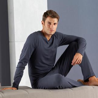 Purer Luxus: der Pyjama aus der hochwertigsten Baumwollsorte der Welt. Sea Island: Nur 0,0004 % der weltweiten Baumwoll-Ernte sind so streichelweich und federleicht.