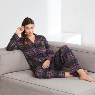 Der Preppy-Pyjama aus kuschelweichem Flanell. Von Ralph Lauren. Klassischer Schnitt. Traditionelles Schottenkaro. Gesticktes Monogramm.