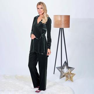 Der vielseitige Zweiteiler aus angesagtem Samt in trendigem Tannengrün. Homewear. Daywear. Abend-Outfit.
