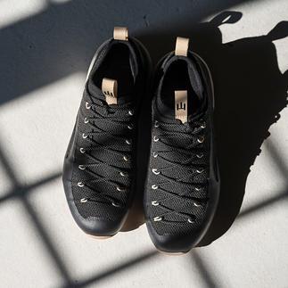 Der Schuh fürs Leben: einteilig konstruiert aus nahezu unverwüstlichem Kevlar. Mit der Möglichkeit zu Neubesohlung und Futter-Austausch.