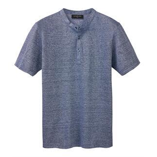 Das Henley-Shirt aus edlem Leinen-Baumwoll-Piqué. Made in Italy. Angenehm luftig. Nobel glänzend. Herrlich bequem.