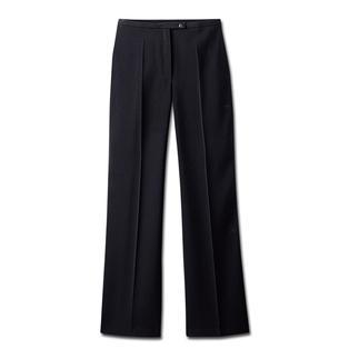 Die Kofferhose: Knitterfrei. Flusenfrei. Business-korrekt und abendtauglich. Diese elegante Hose aus weich fließender, atmungsaktiver Microfaser ist klar und zeitlos geschnitten.