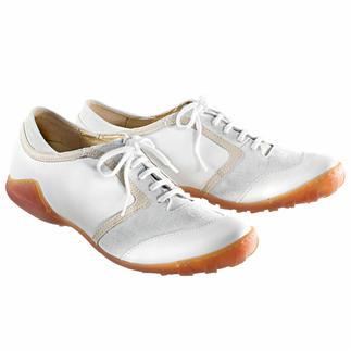 Der weiße Sommer-Sneaker. Genau der richtige Sneaker zum leichten Sommeroutfit. Von Arcus® Egal ob Sie lange gehen, stehen oder laufen, die Stoß absorbierende Latexsohle hält müde Füße länger munter.