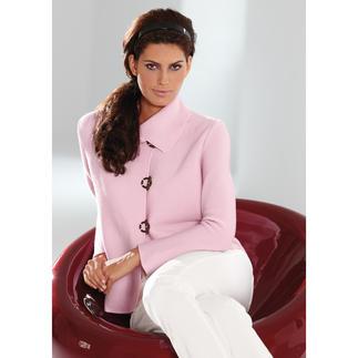 Die Belle ile-Strickjacke: Edel wie eine Couture-Jacke, vielseitig wie eine Jeansjacke. Selten werden Sie eine bequeme Strickjacke finden, die Sie so schick und sogar businesskorrekt ist.