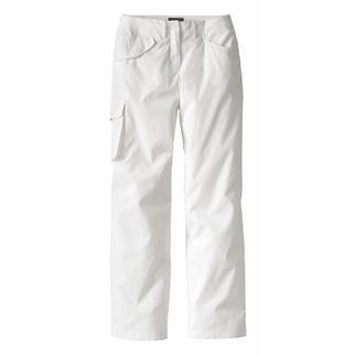 Die schlanke Cargo-Pants. Ihr Geheimnis: asymmetrische Taschen. Kleine Details strecken das Bein und der raffinierte Schnitt macht einen knackigen Po.
