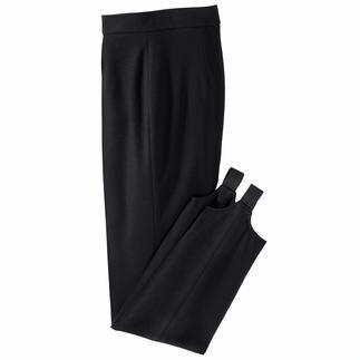 Die Steghose aus feinem Jersey rutscht nie aus dem Stiefel. Sitze immer perfekt und faltenfrei. Die Form wirkt schlank und die abgesteppte Biese streckt das Bein.