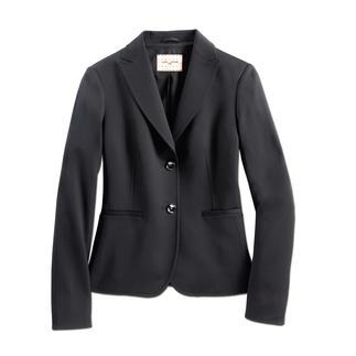 Der 24-Stunden-Blazer: Business-korrekt. Lässig zur Jeans. Elegant am Abend. Und sogar waschbar. Perfekt zu Business-Hose, Jeans, Etuikleid, ... – 12 Monate im Jahr und rund um die Uhr.
