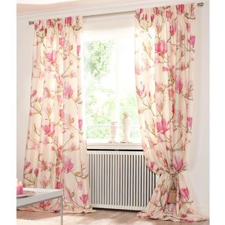 Vorhang Magnolia, Creme/Rosa - 1 Stück Frisch vom Münchner Stoff Frühling.  Und Publikumsmagnet im Showroom: Magnolia.