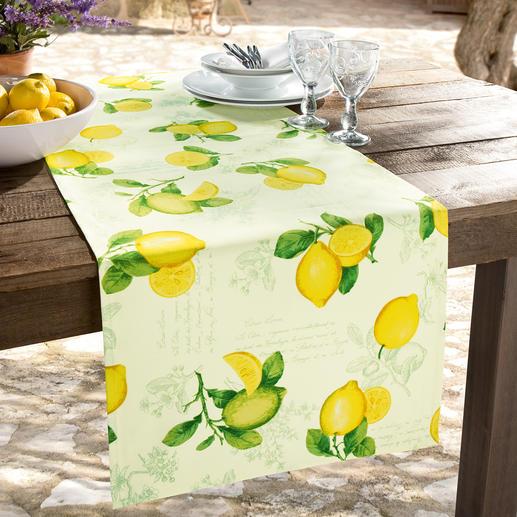 Ihre provenzalische Tischwäsche ist sorgfältig gesäumt, mit feinen Kuvert-Ecken.