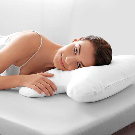 Der weiße Bezug (separat erhältlich) formt die Silhouette Ihres Schlafkissens perfekt nach.