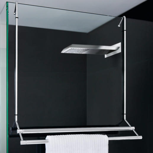 An der Dusche eingehängt, spart Ihr Badetuchhalter Platz – zur Glasreinigung jederzeit abnehmbar.