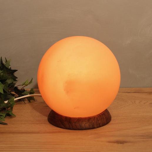 Salzkristall Lampe Im Schlafzimmer   517 205160a 0313