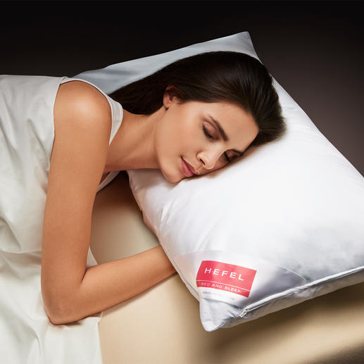Das geniale Cool-Kissen von Hefel, Österreich: leitet Wärme von Kopf, Gesicht und Nacken weg. Lässt Sie entspannt schlafen, ohne zu schwitzen. Tiefer, erfrischender Schlaf in heißen Nächten. Leitet Wärme von Kopf, Gesicht und Nacken weg.