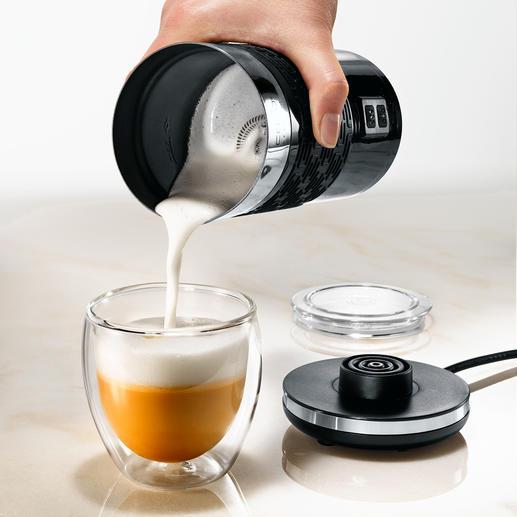 Dank des dezentral angebrachten Quirlrades im Kannenboden wird die die Milch stärker verwirbelt und so besonders gut aufgeschäumt.