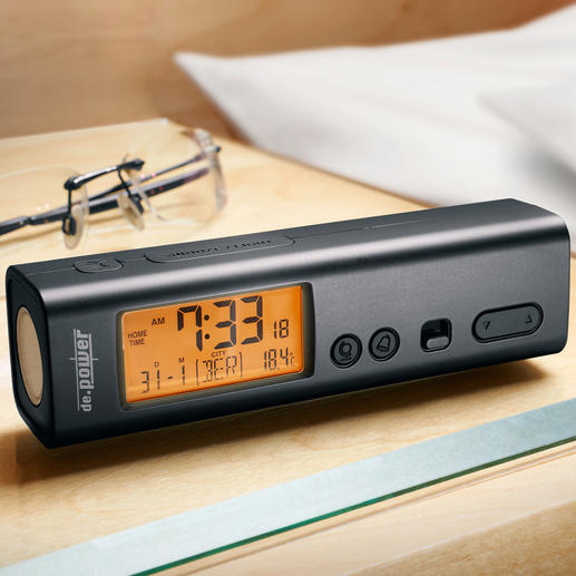 3-in-1 Reise-Funkwecker - 3fach praktisch: Funk-(Reise-)Wecker, Weltzeituhr und Taschenlampe zugleich.