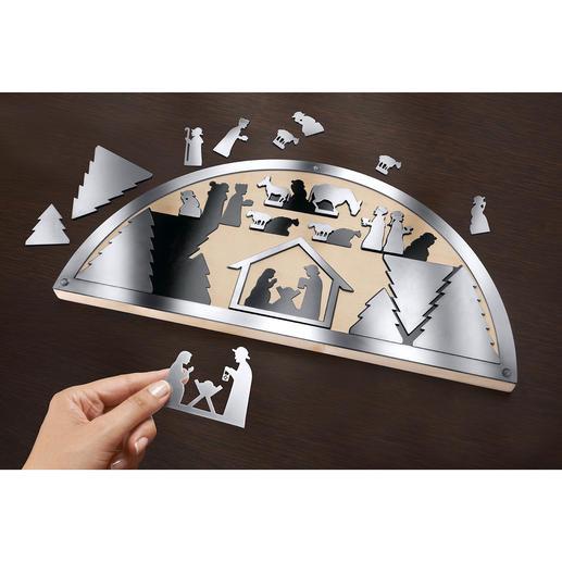 Zum Aufbewahren findet sich für alle 21Figuren eine exakt passende, magnetische Silhouette.