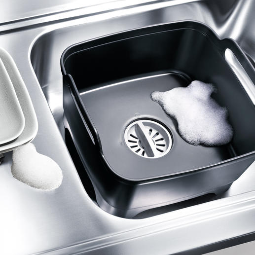 Wash & Drain Bowl - Mit eingebautem Sieb-Abfluss. Ruck-zuck ein zusätzlicher Spülplatz. Überall. Von Joseph Joseph.