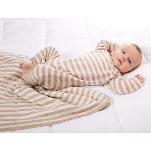 Geschenkset Luxus-Strampler und Decke - Verwöhnender Luxus für die Kleinsten: das Baby-Set aus feinstem, flaumzartem Kaschmir.