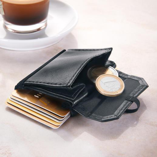 Separates Kleingeldfach für bis zu 12 Münzen.