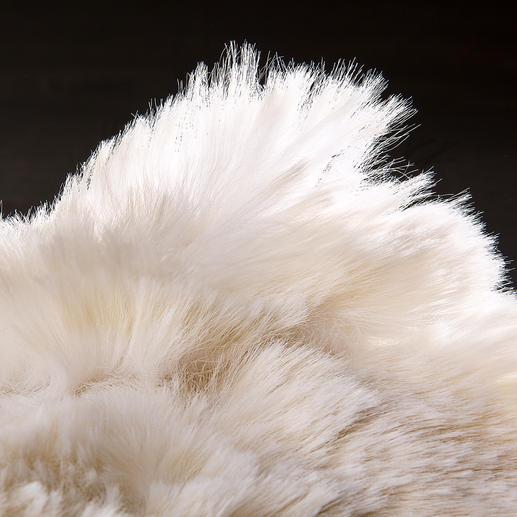 Die Fasern von ca. 28 bis 34 mm geben dem Plaid ein natürliches Längenspiel.