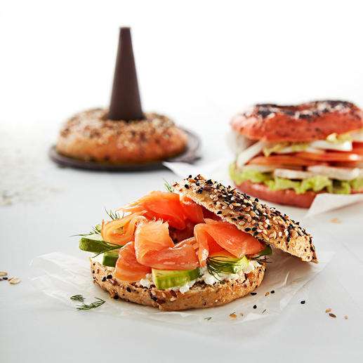Kreieren Sie verschiedene Variationen, beispielsweise mit Sesam.