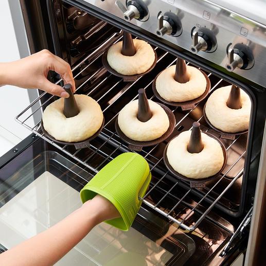 ... und anschließend die Bagels im Ofen backen. Schon genießen Sie Ihre ofenfrischen Bagels.