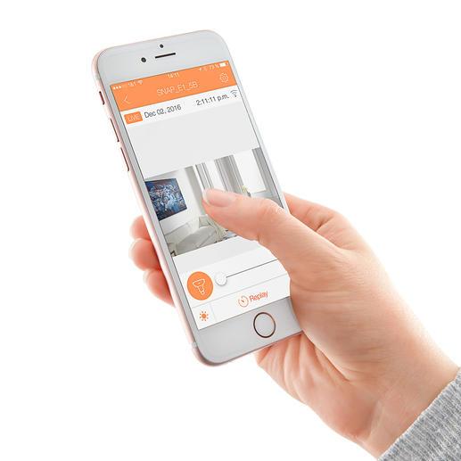 Mit Ihrem Smartphone können Sie von unterwegs auf die Kamera zugreifen.