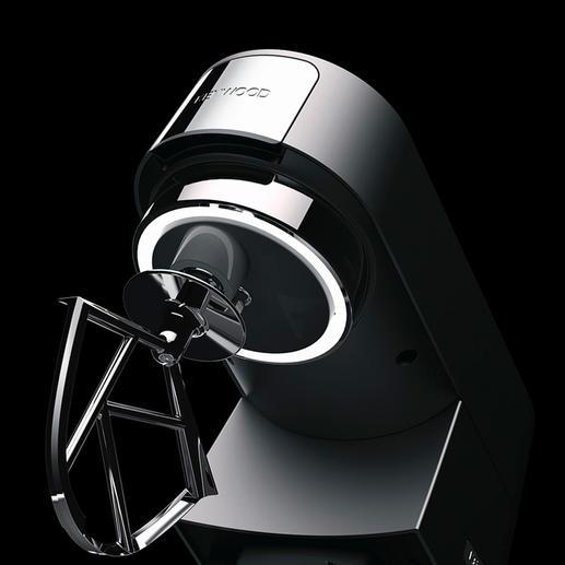 Ein LED-Kranz unter dem Rührarm beleuchtet den Schüsselinhalt.